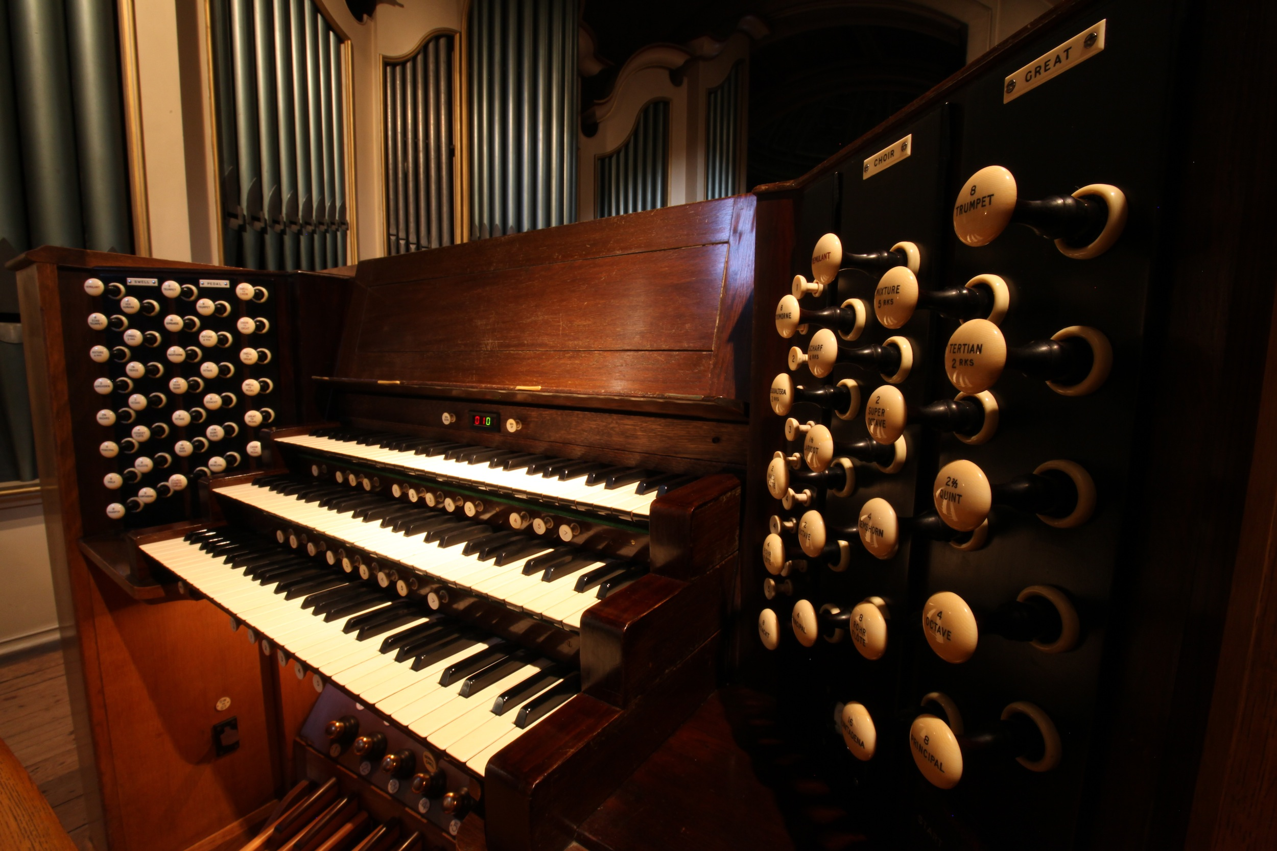 oratory-organ.jpg
